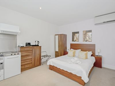 Photo for Beautiful and Cosy Serviced Studio in Victoria