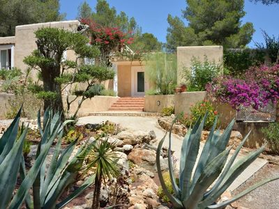 Photo for Stylish Six Bedroom Luxury Villa in a Fantastic Location.