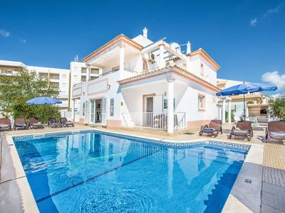 Photo for Villa Jomar - Great location to the beach & shops, WI-FI & table tennis included