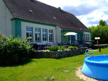 Relaxation in rural tranquility close to many lakes and interesting attractions