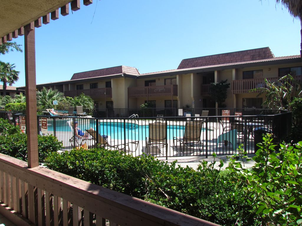 Beachfront Condo Renovations : Beachfront complex fully remodel condo south padre