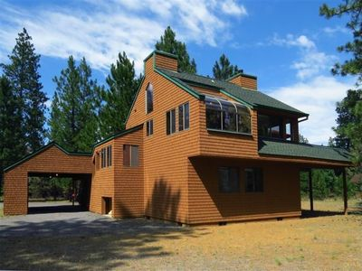 Unique Private Cabin in the Pines in Sisters! Clean & Cozy/ Low Booking Fees!