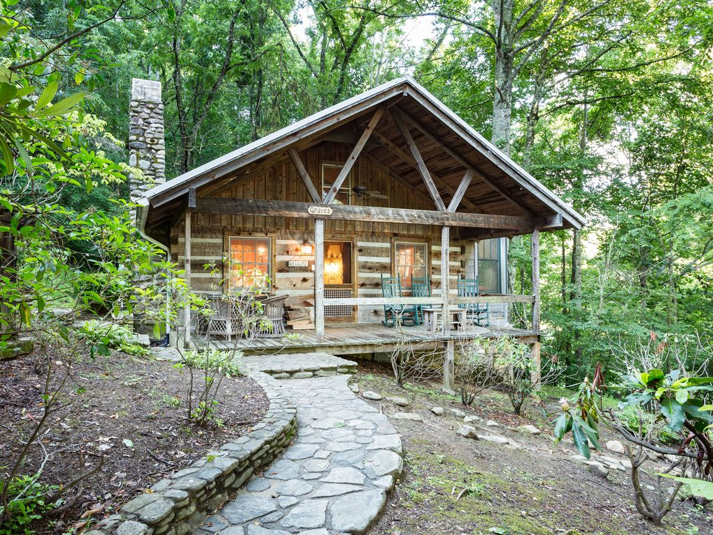 Graves cabin luxury cabin near waynesville and asheville for Asheville nc luxury cabin rentals