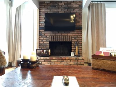 Photo for Renovated, Spacious, Deluxe Corner unit, Great views, Hot Tubs, Pool