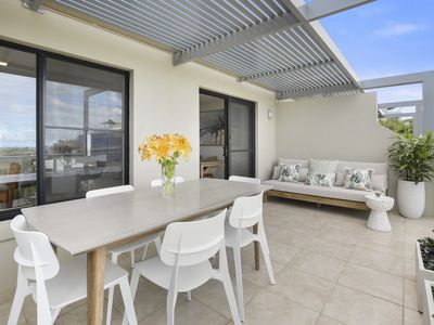Photo for Crystal Shores Unit 2, 200m to beach, dog friendly