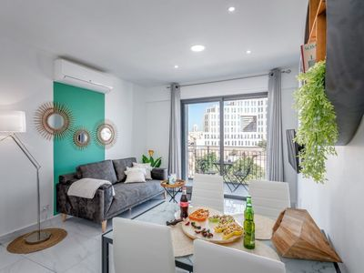 Design 2 BDR & Balcony in Even Israel, City Center