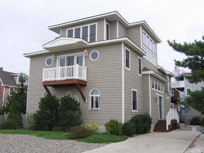 Photo for Spacious, three-level, beachblock home with 5 bedrooms and 4.5 baths
