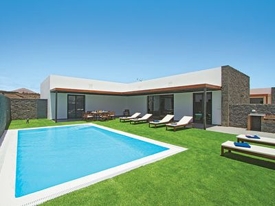 Photo for Beautiful newly built villa boating quality finish, modern amenities and pool