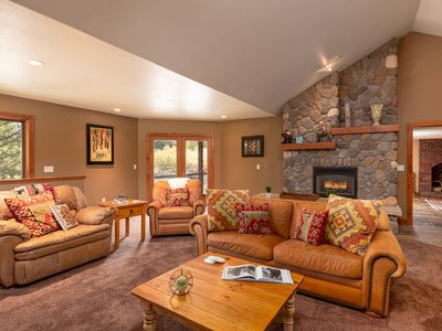 Photo for Mtn Modern Cabin   1 Mile To Resort   2 Lounge Areas   Sleeps 11   Lots to Love