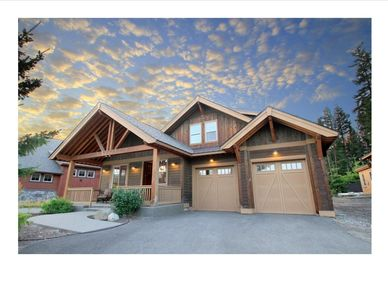 Photo for Three Bedroom Prospector Reach Home - Hot Tub