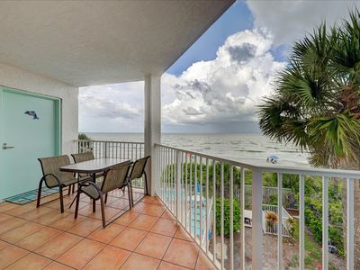 Photo for Direct Gulf Front Condo, Large Balcony, 3 BR on White Sand Uncrowded Beach, IRB