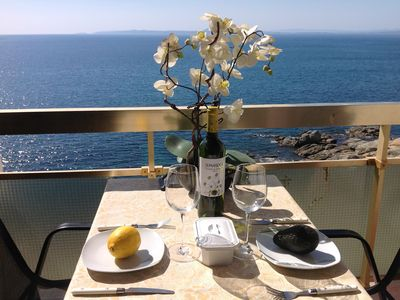 Photo for Pleasant Apartment Première lignMer Exceptional view close to ROSES BEACHES