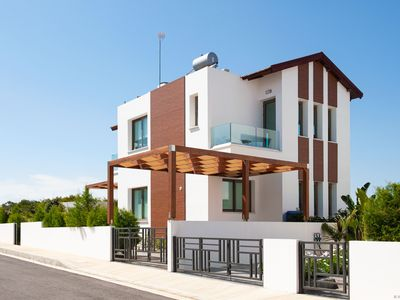 Photo for APOLLONIA - 4bed brand new villa walking distance to Trinity Beach