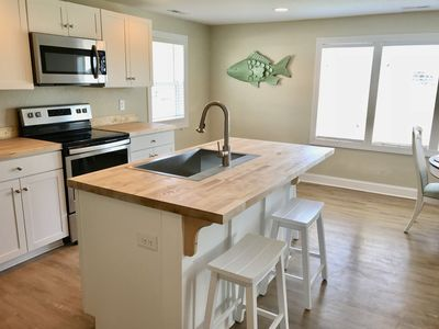 Brand new kitchen and appliances, you can see the dunes from here!