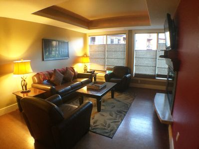 Luxury Condo - Family and pet friendly - Canmore