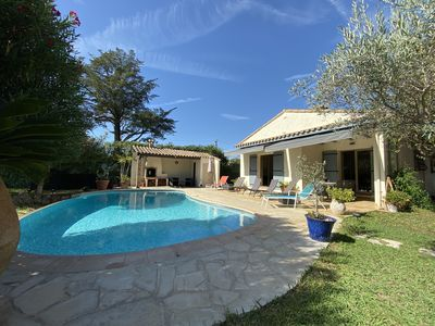 Photo for Villa with own pool and garden, easy walking distance to the beach and shops