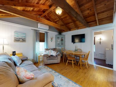 Photo for Adorable cottage w/ shared hot tub & pool + ocean access - close to everything!