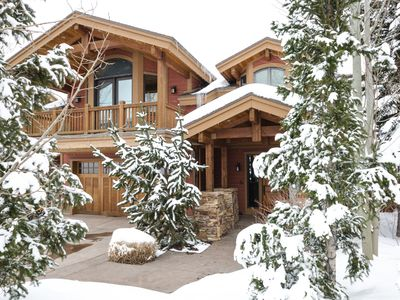 Photo for Spacious 4500Sq/Ft - 5 Bed 5.5 Bath - Theater - Ski, Shop, Dine Within Steps!