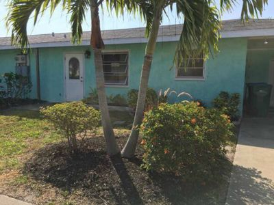 Photo for 1/1 On Longboat Key canal 5 min walk to the beach Great Space In Amazing Place