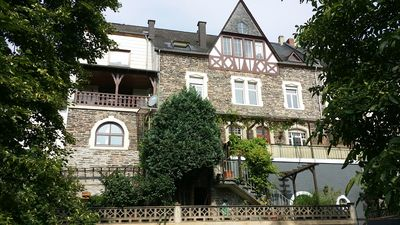 Photo for Spacious holiday home with unobstructed Mosel view, 6-10 persons, 3 bathrooms