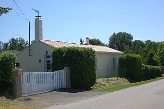 Photo for Private Detached Villa With Heated Pool, 20 Minutes From The Coast