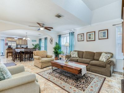 Photo for Charming dog-friendly group getaway with plenty of room and prime location