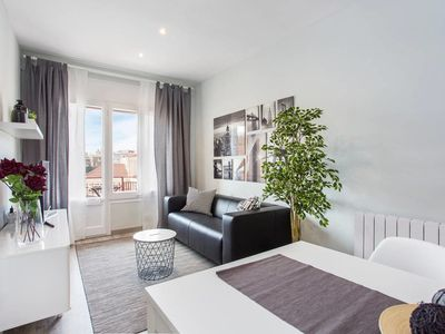 Photo for Joyful renovated 4 Bed close to Camp Nou