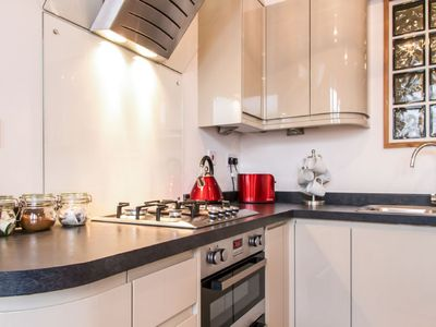 Photo for Apartment Spencer in Eastbourne - 4 persons, 2 bedrooms
