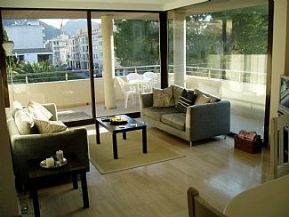 Photo for Plaza Apartment with Shared Pool