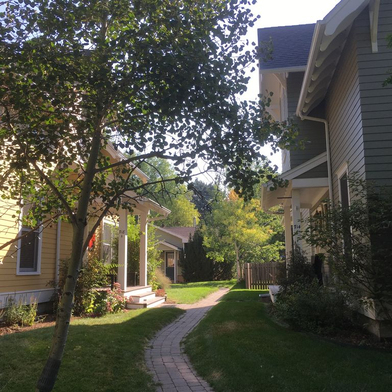 Best Of Downtown Bozeman! 2 VRBO's On This Property (See