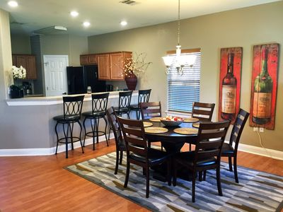 Large ATX Home Minutes to Downtown