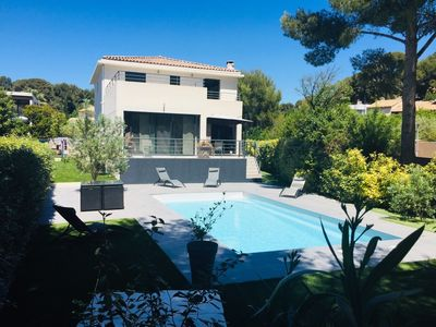 Photo for Contemporary villa 200m2 swimming pool, by the sea