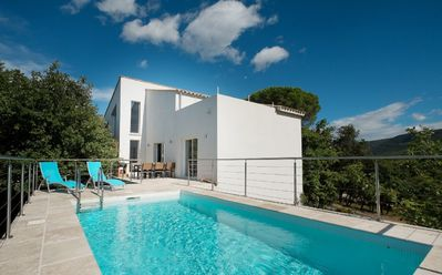 Photo for Exceptional design. Peaceful, idyllic surroundings. 5 minutes from all services.