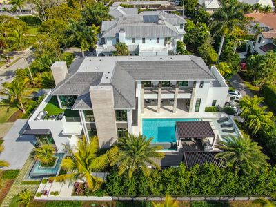 Photo for GULF SHORE GRAND - Modern Masterpiece in Olde Naples, Steps to the Beach!