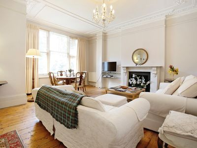 Photo for Charming & Generous apartment in Kensington w14