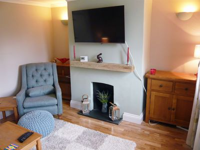 Photo for Cosy 2 bedroom cottage in pretty Godstone Village on the North Downs in Surrey