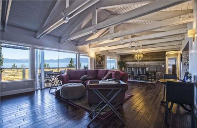 Photo for Spectacular Lakeview 6-bedroom Modern Retreat