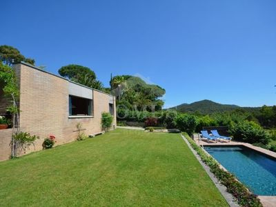Photo for 2 bedroom Villa, sleeps 5 in Esclanyà with Pool