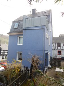 The Blue house, Enkirch with balcony and sauna