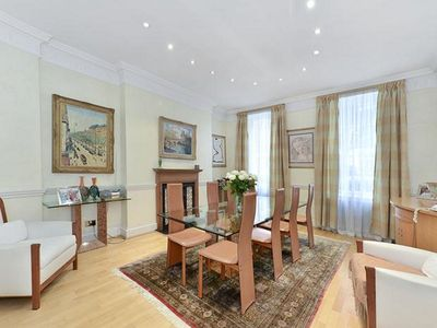 Photo for Luxury 4 BR House in Marylebone