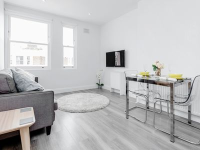 Photo for 2 Bed Notting Hill Portobello Apt