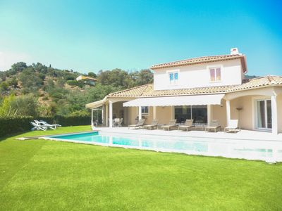 Photo for 4 bedroom Villa, sleeps 8 in Bormes-les-Mimosas with Pool, Air Con and WiFi