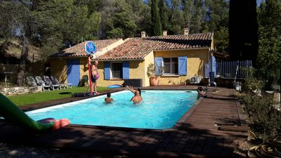 Photo for Beautiful Provencal house with pool and equestrian facilities