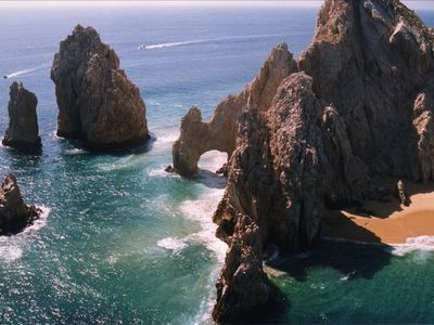 Los Archos and Lovers Beach at Lands End