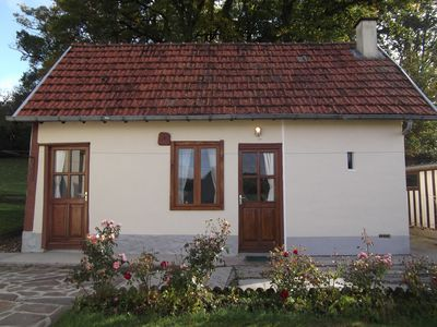 Photo for 1 bedroom detached cosy garden cottage