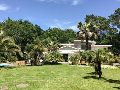 Photo for Superb Californian Style Villa, Large Park, Pool