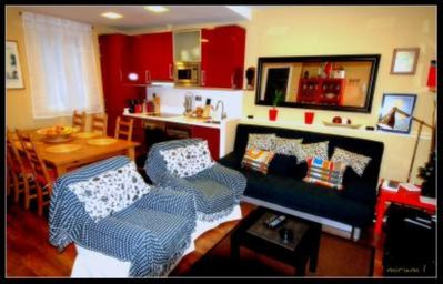 Photo for Wonderful flat with terrace next to Ramblas