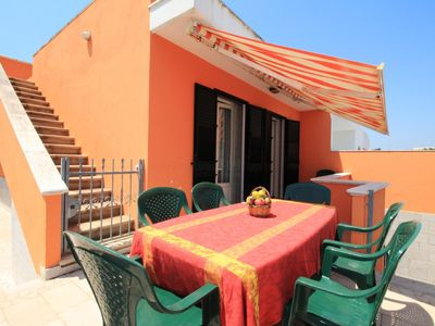 Photo for A Mare Beach House apartment in Pescoluse with air conditioning, private terrace & balcony.