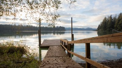Photo for 4 Bedroom, 3 Bath, Wood Burning Fireplace, Very Private, Lakefront With Dock