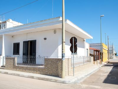 Photo for House in the center of Torre Lapillo, courtyard, 2 bedrooms